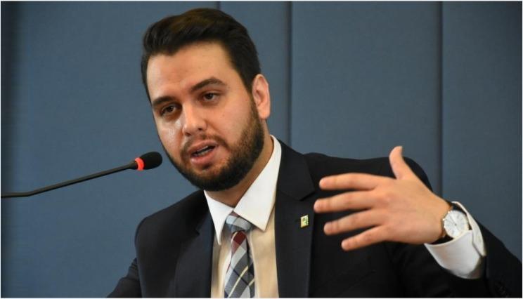 """FUNAG e IRBr promoveram a palestra """"Governança global e autodeterminação popular"""", de Filipe G. Martins, assessor especial do presidente da República"""