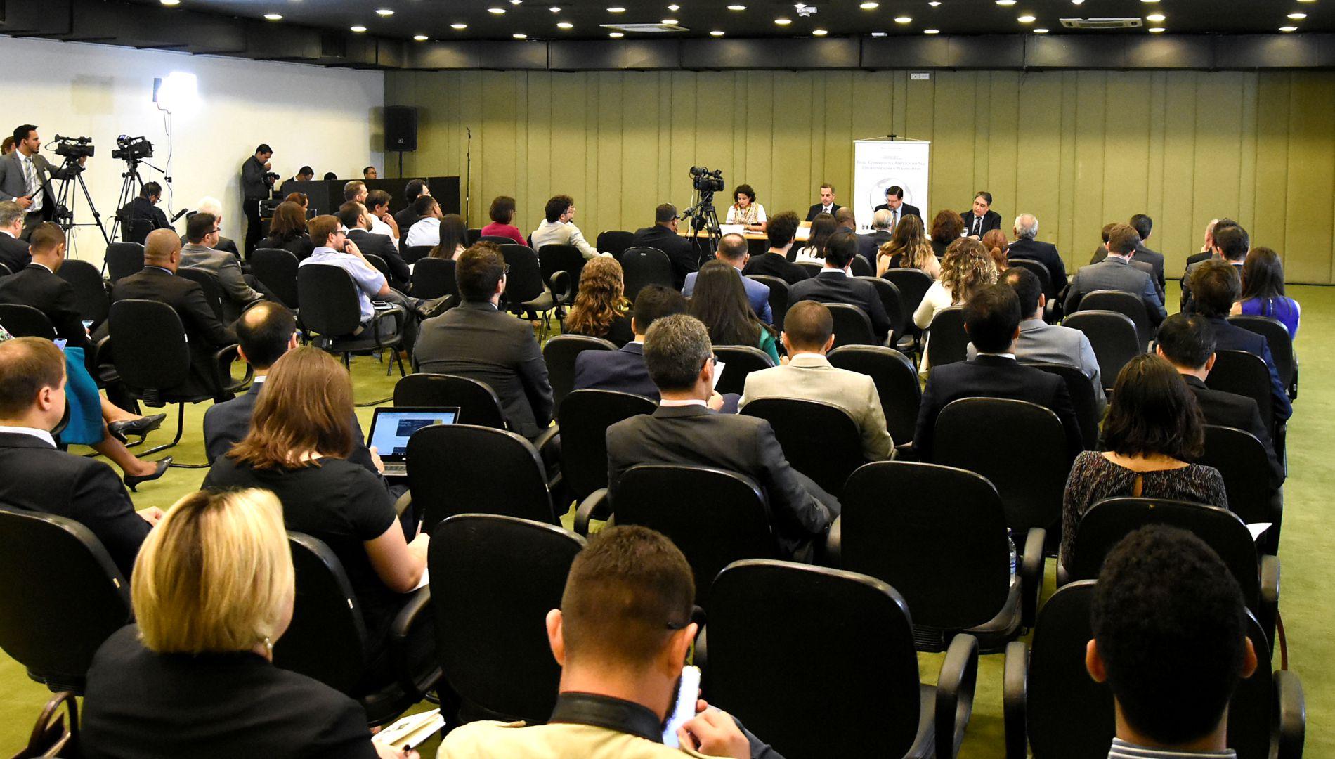 """Assista aos vídeos do seminário """"Livre comércio na América do Sul: oportunidades e perspectivas"""""""